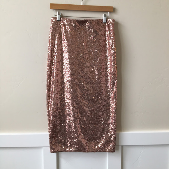 bb33c5a49b34 Dorothy Perkins Dresses & Skirts - NWT Dorothy Perkins Rose Gold Sequin  Midi Skirt